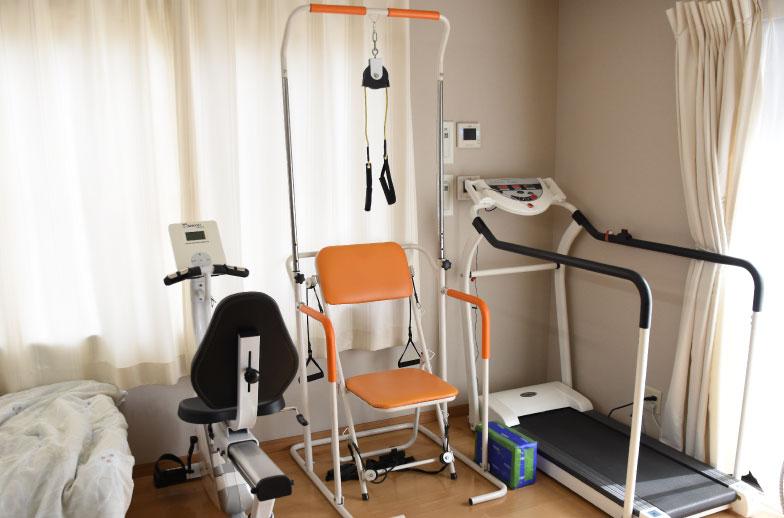 施設によっては運動器具も設置しています。